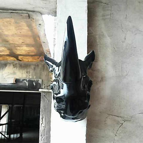 Статуя большой голова животного висящий носорог Фреска домашние декоративные принадлежности арт клуб зал КТВ мягкий наряд скульптура Escultura подарок