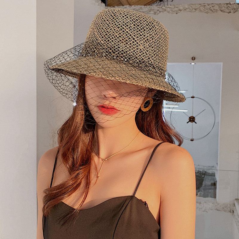 Elegant Ladies Straw Hat Wide Brim Veil Pearl Trimed Cloche Summer Hat For Women Fashion Breathable Seagrass Sun Hat Beach Cap