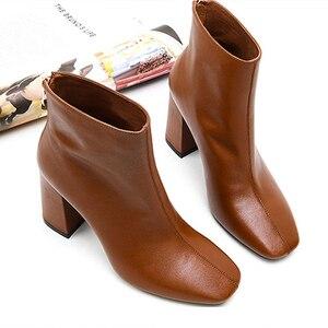 Image 2 - ISNOM en cuir véritable bottines 2020 bout carré bottes en caoutchouc équitation chaussures pour femmes dames gros talon haut fermeture éclair bottes dhiver
