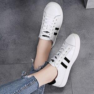 Image 4 - STQ Outono Mulheres Apartamentos Sapatilhas Sapatos Das Senhoras Lace up Sapatos Casuais PU Sapatos de Couro Mulheres Sapatos Casuais Sapatos Brancos Tênis 768