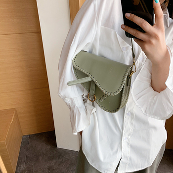 цена на Top Fashion Saddle Handbags Personality Women's Holster Shoulder Bags 2020 Simple Women Pistol Shape Small Crossbody Bag Luxury
