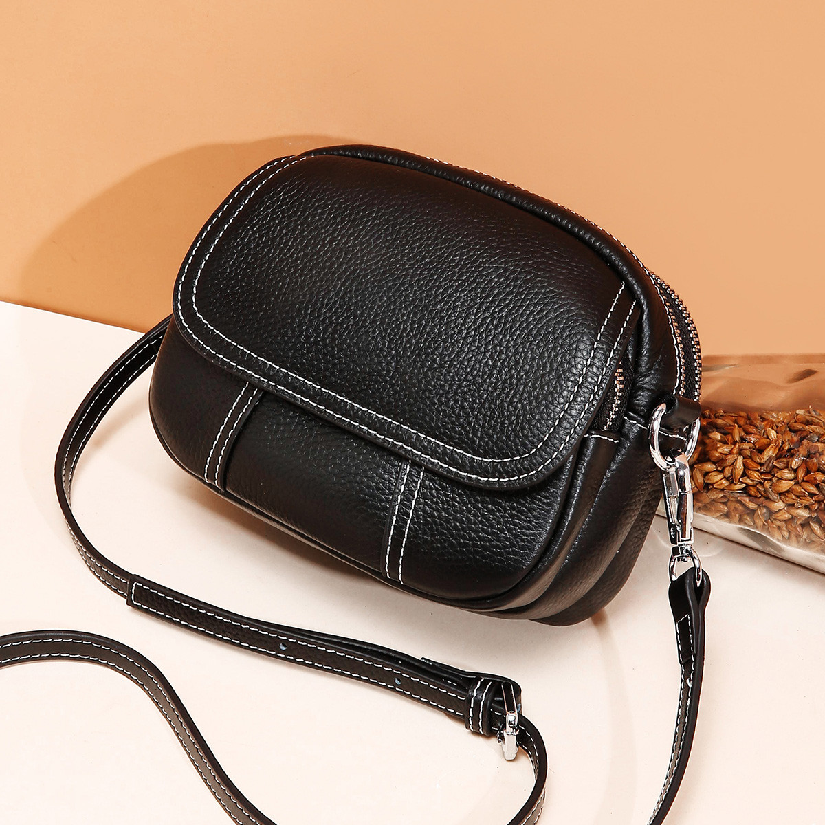 2019 Spring And Summer New Style WOMEN'S Bag Fashion Models Versatile Mini WOMEN'S Leather Bags Cowhide Small round Bag Shoulder