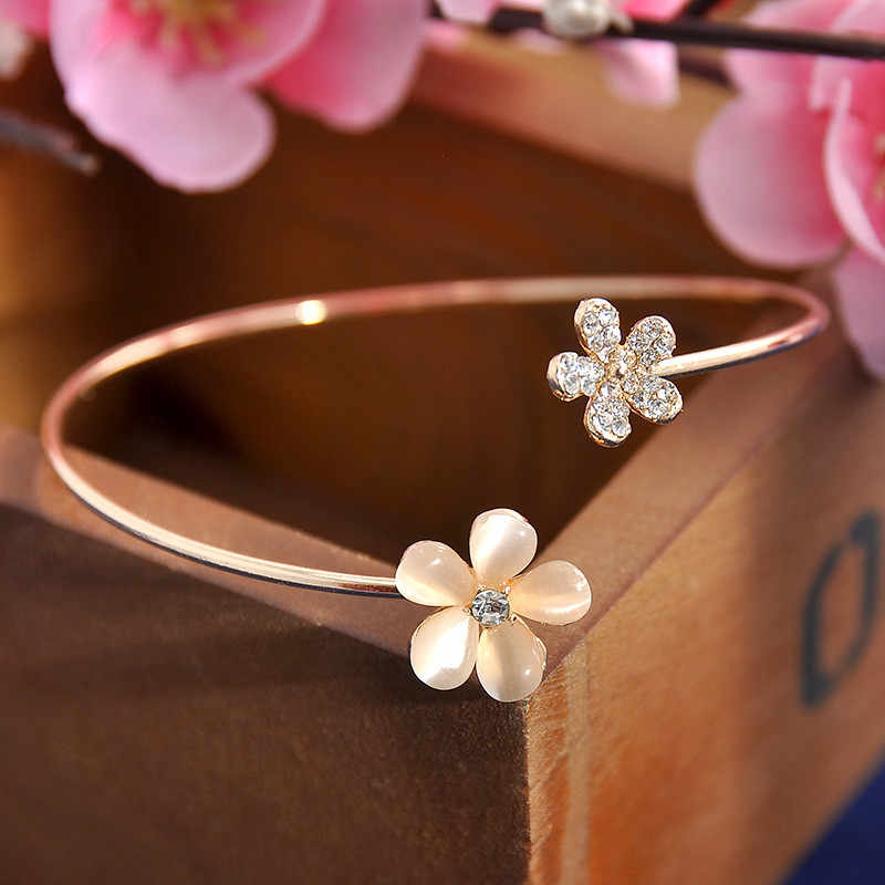 Women Girl Fashion Flower Opal Crystal Bracets Gold Color Cuff Hot Sale Bracelet Bangle Charm Jewelry Gift Fashion Jewelry