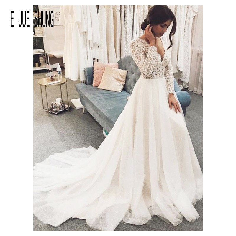 E JUE SHUNG Vintage Winter Wedding Dresses V Neck Long Sleeves Wedding Gowns Lace Up Back Bridal Gown Robe De Mariee Custom Made