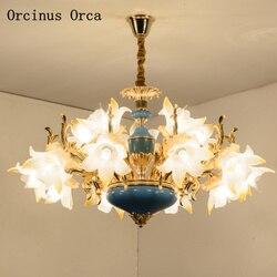 Wysokiej klasy niestandardowy europejski luksusowy niebieski kwiat ceramiczny żyrandol salon jadalnia sypialnia francuski kolor kryształowy żyrandol