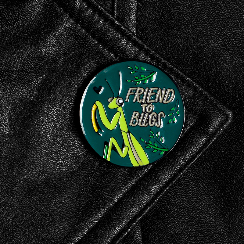 Mantis Lapel Pin
