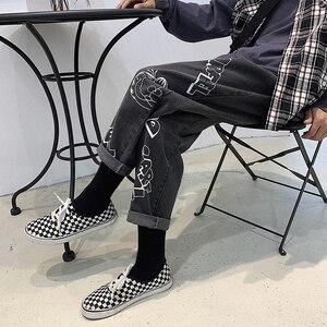 Image 5 - 2019 Amantes Dos Desenhos Animados Impressão Folgado Homme Casuais dos homens Calças Estilo Clássico de Bolso de Carga Calças Jeans Mens Denim Motociclista S 2XL