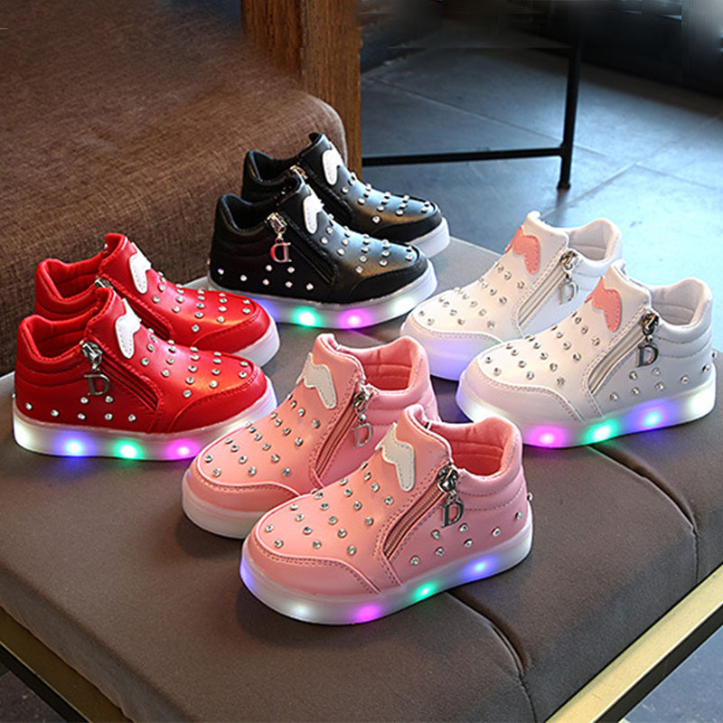 Luminous Sneakers Girls Students Winter Unisex Lighting Shoes Baby Girls Lights Up Shoes With Battery Walking Sports Sneakers