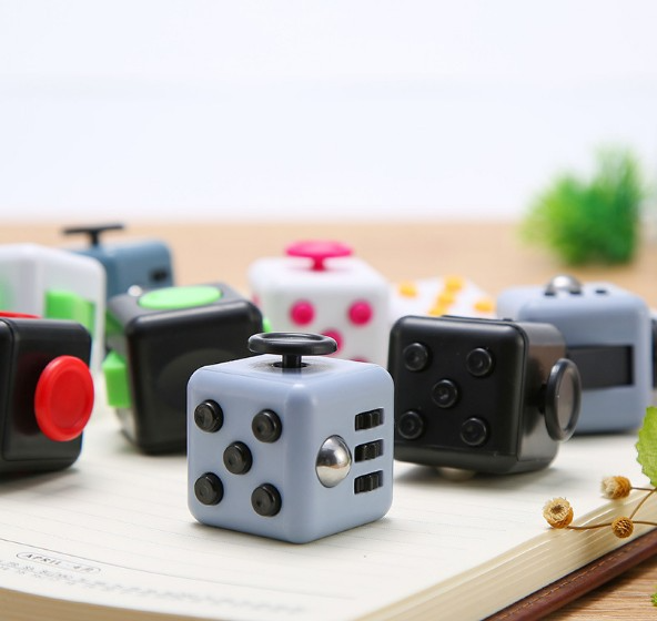 ZK22, Выжми веселье, снятие Стресса Игрушка антистресс вытолкнуть его традиционные Антистресс игрушка гироскоп кубик для взрослых игрушка ви...