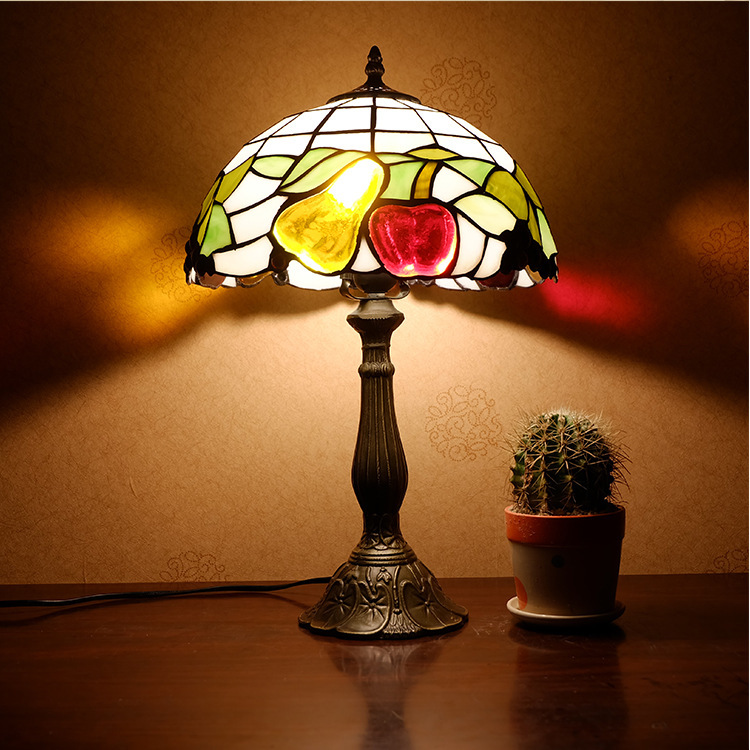Factory direct selling Tiffany country fruit bedroom bedside lamp wedding fashion dimmable table lamp