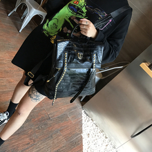 2020 Female Bag Retro British College Style Backpack Simple Neutral Casual Backpack Fashion Crocodile Pattern Travel Backpack