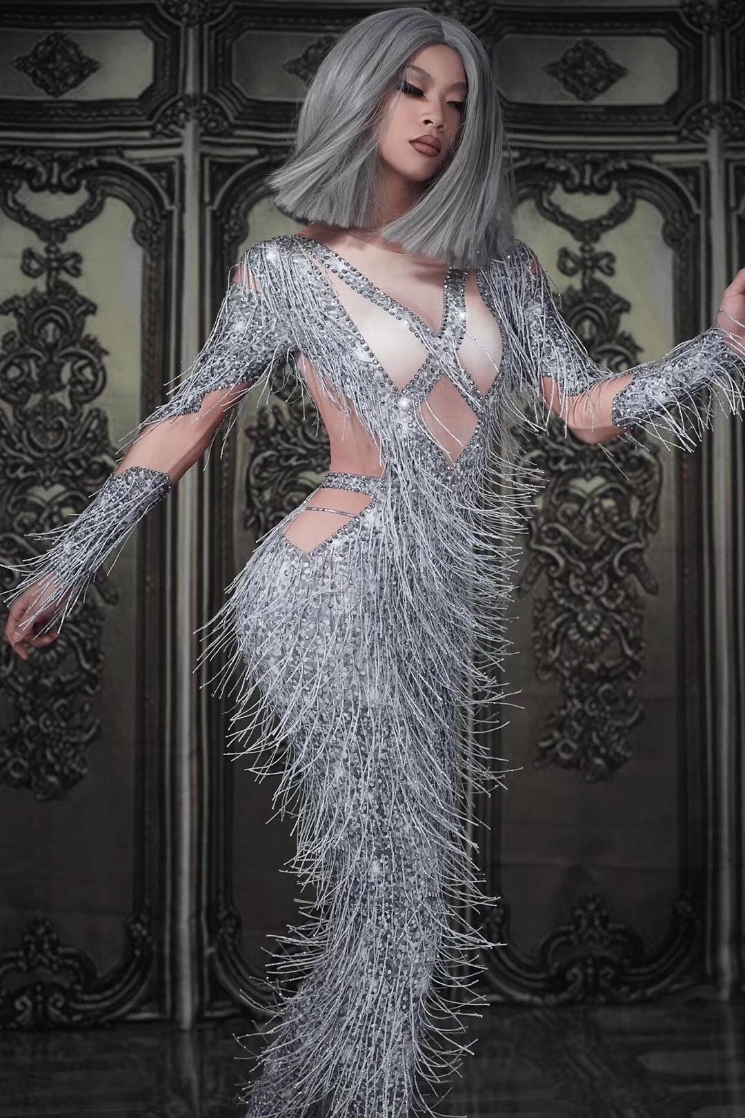 Nightclub bar DS singer DJ jazz dance sexy fake meat gogo guest performance full of Diamond Silver fringe