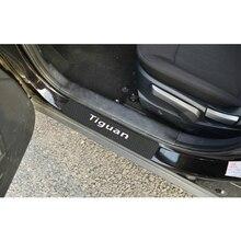 Pegatinas de fibra de carbono para coche, pegatina protectora de umbrales de puertas para Volkswagen Tiguan 2019, accesorios de Interior de coche, 4 piezas