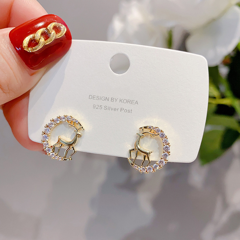 New Creative Christmas Ornaments Stylish Christmas Crystal Deer Stud Earrings Women Fashion Jewelry Gift Christmas Ornaments