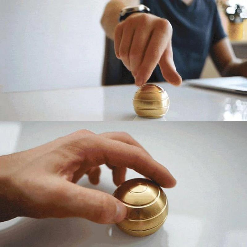 Mesmerizing Optical Illusion Desk Toy Gyro