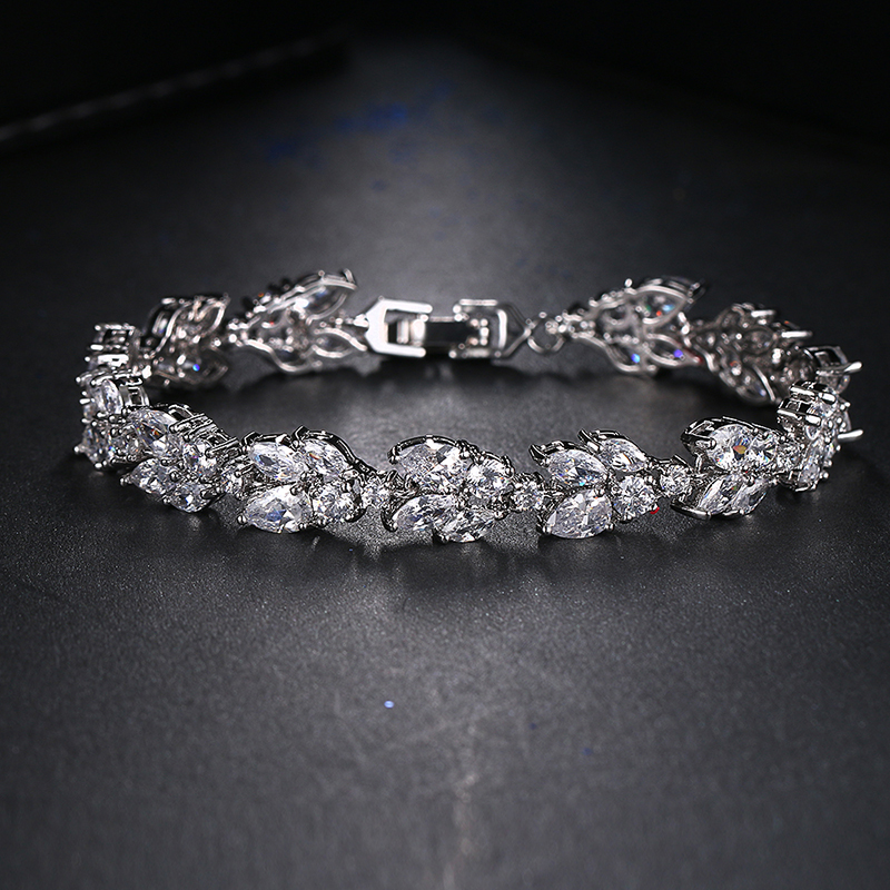 Emmaya High Quality Clear White Cubic Zirconia Leaf Pattern Bracelets Bangles For Women Girl Gift Fashion Wedding Jewelry Party