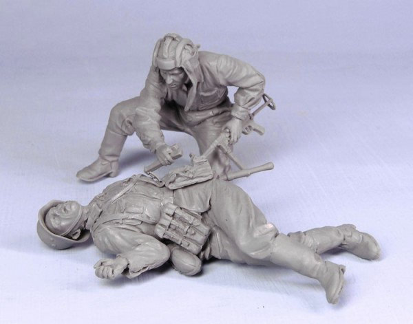 1/35  Ancient  Injured Crew Include 2 Infantryman Summer  Resin Figure Model Kits Miniature Gk Unassembly Unpainted