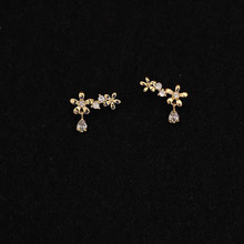 CMajor 9K Solid Gold Earring Fashion Two Small Flowers In The Shape of Water Drops Minimal Simple St