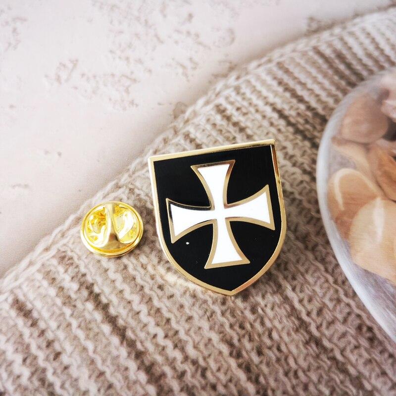 Masonic Lapel Pins Badge Mason Freemason Knight Templar Red White Crossed Shield black