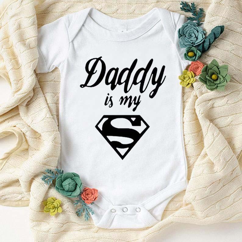 Лидер продаж, Детский комбинезон с принтом «папа это мой герой», комбинезон для новорожденных, комбинезон для малышей, летнее боди для мальчиков и девочек, хлопковая одежда для сна