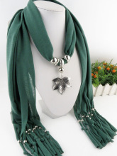 Manufacturer wholesale jewelry pendant scarf explosive alloy maple leaf tassel lady Shawl Scarf