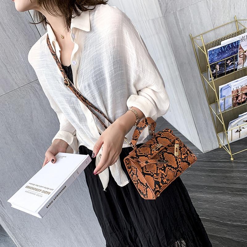 Shoulder Bags Crocodile Pattern Handbags Fashion Designer Serpentine Crossbody Bags Women High Quality Retro Flap Female Bags