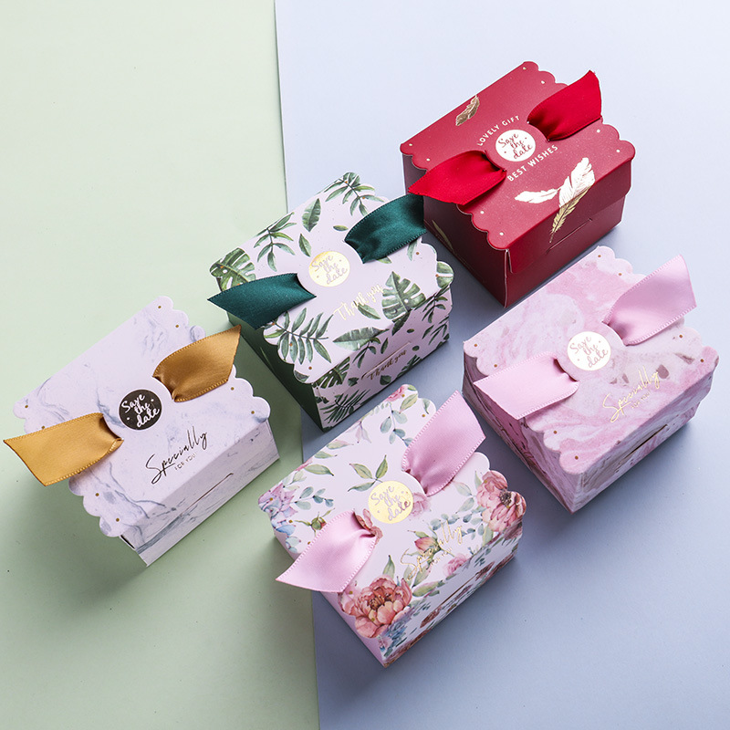 100PCS Paper Boxes For Gifts Wedding Birthday Party Candy Christmas Favors Paper Box