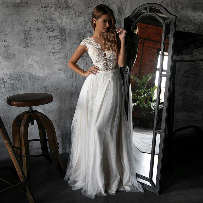 Eightale Simple Boho Wedding Dresses Appliques Lace Beach Wedding Gowns Buttons Tulle Custom Made Sheer Illusion Neckline Bride