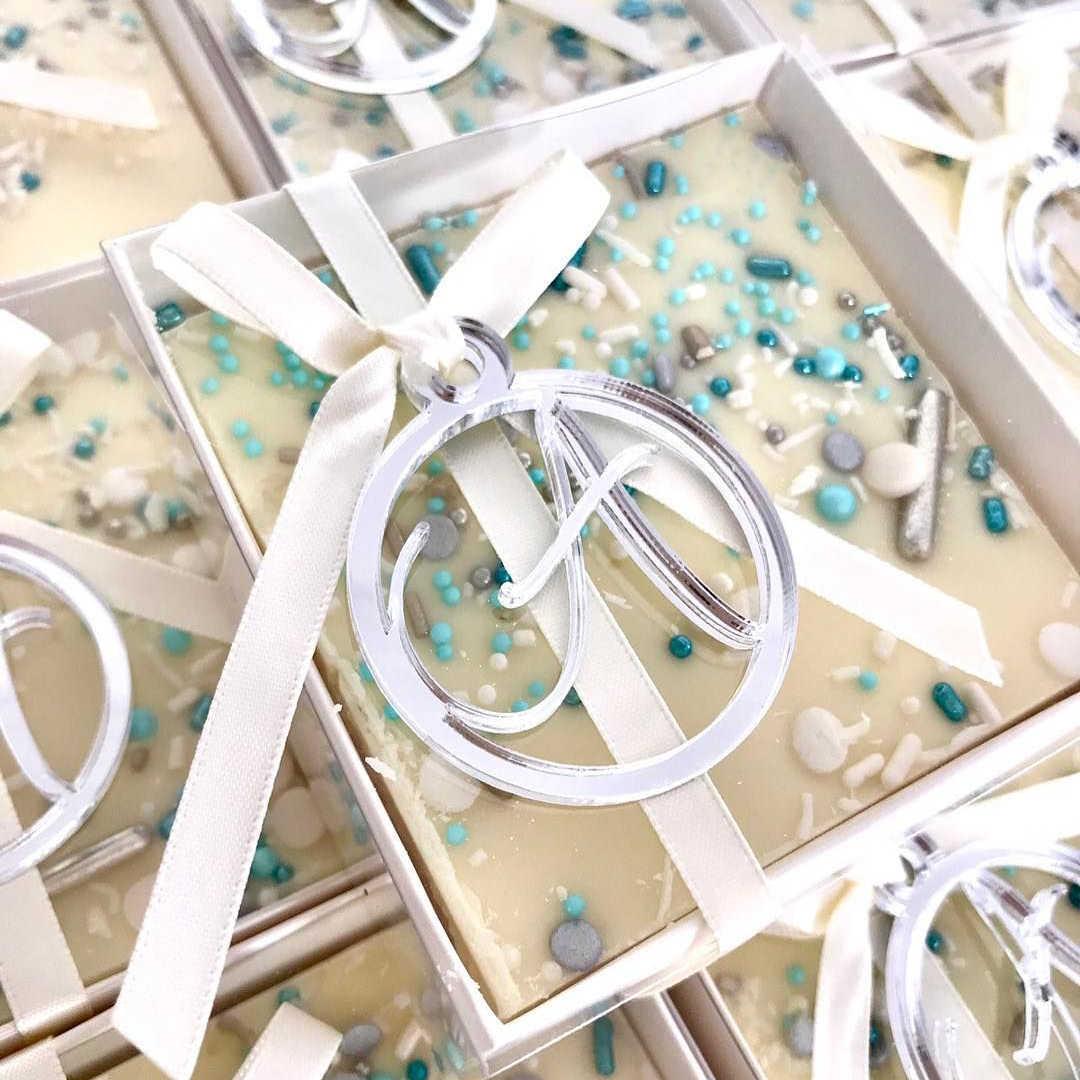 Étiquettes personnalisées avec nom de bébé et initiales, étiquettes argentées et dorées effet miroir, décoration de Table de mariage à 50pcs (sans boîte, sans ruban)