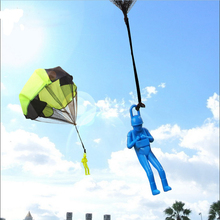 1pcs Hand Throwing Mini Soldier Parachute Funny Toy Kid Outdoor Game Play Educational Toys Fly Sport for Children