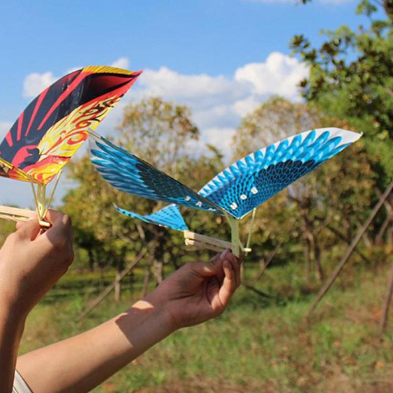 1pcs Blue Elastic Rubber Band Powered Flying Birds Kite Fun & Sports Kite Kids Interactiv Toy Gift Cartoon Outdoor Toy
