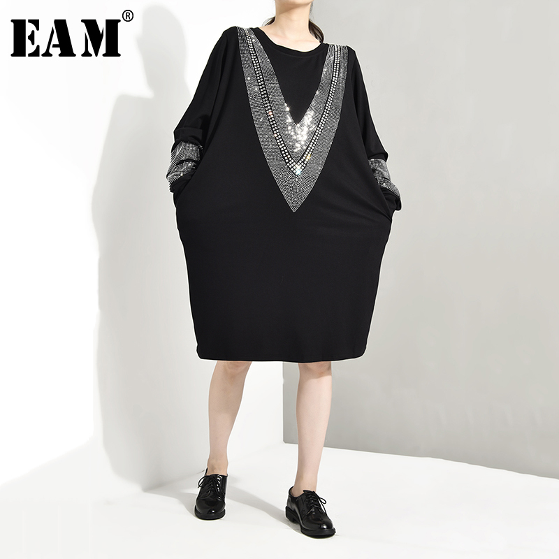 [EAM] 2020 Spring  Round Neck Long Sleeve Personality Solid Color Black Diamoned Loose Big Size Dress Women Fashion Tide JC332