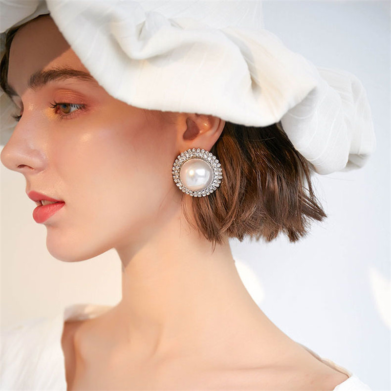 Korea New White Imitation Pearls Round Stud Earrings for Woman Luxury Cz Crystal Statement Earrings Female 2019 Jewelry Gifts