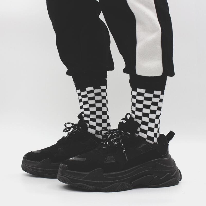 Korea Ins Harajuku Street Bf Wind Black And White Checkerboard Pattern Tube Socks Couple Novelty Socks Check Men And Women Socks