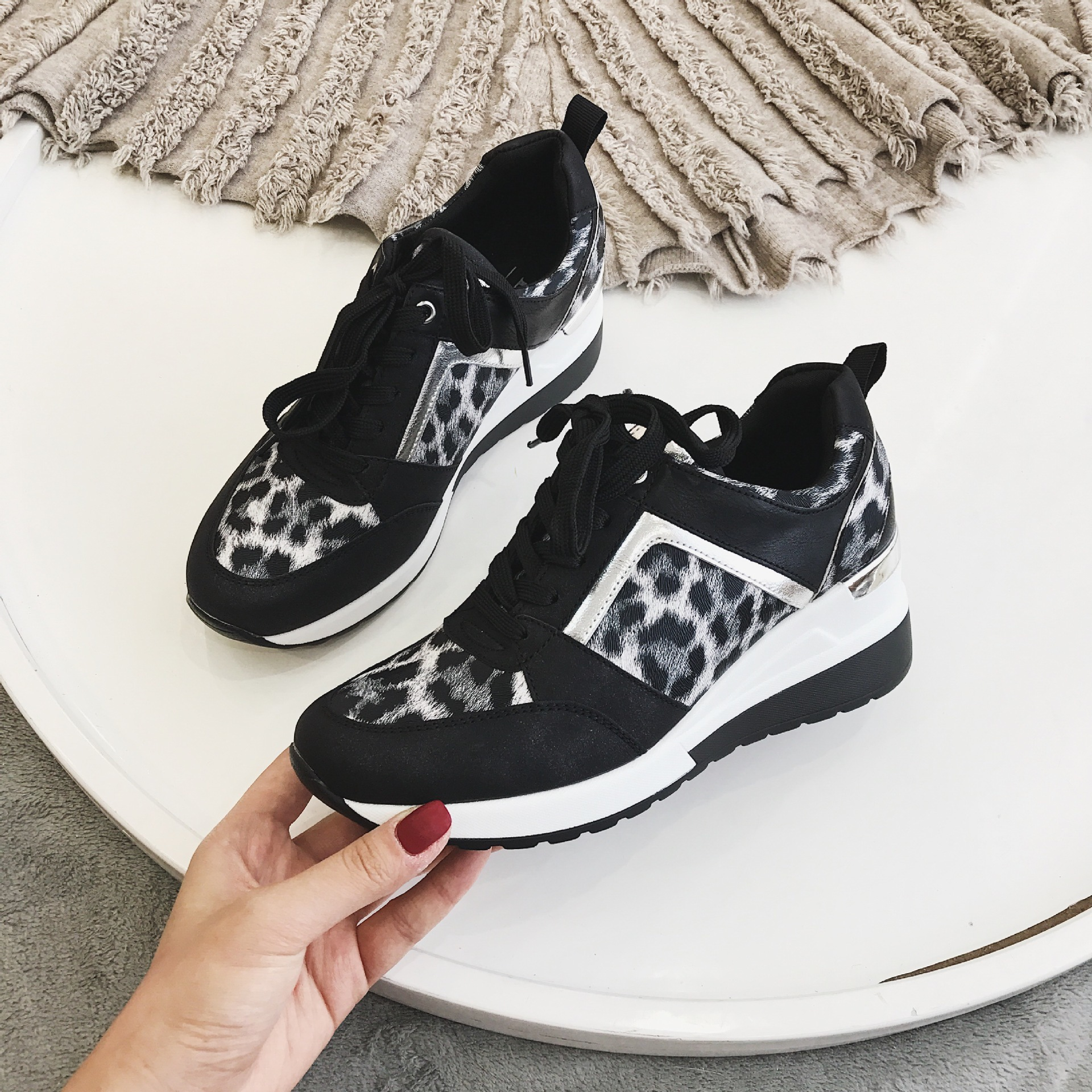 New Leopard Sneakers Woman New Platform Shoes Women Stylish Thick Sole Sports Fashion Styles Light Weight Size 36-41