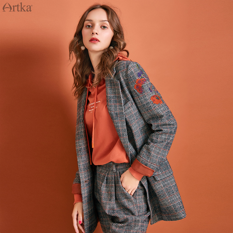 ARTKA 2019 Autumn Winter New Women Suits Vintage Embroidery Plaid Blazer Set Woolen Blazers And Jackets Suit With Pants WA10290Q