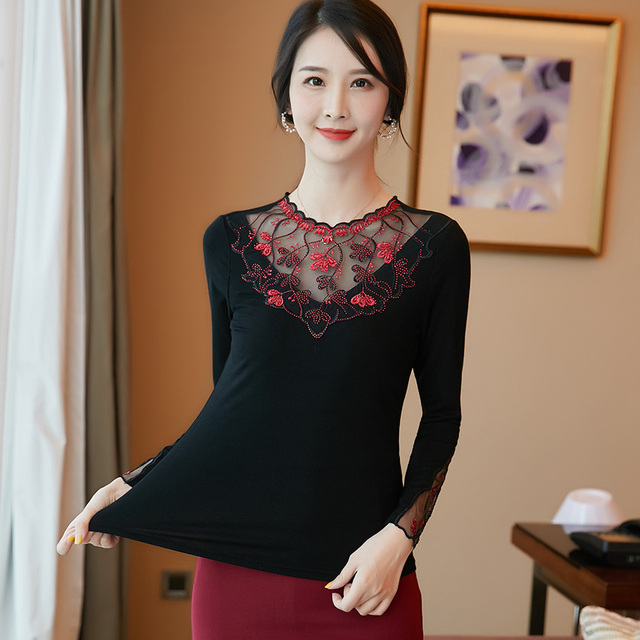 Women's shirt New 2019 Autumn long sleeve women blouse shirt Fashion Embroidery Mesh tops plus size hollow out lace tops 3