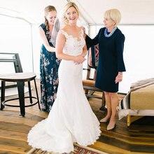 Свадебное платье русалки с отвесным вырезом и аппликацией кружевное