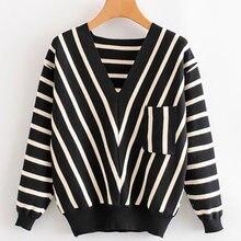 Женский трикотажный свитер в черную полоску пуловер с v образным