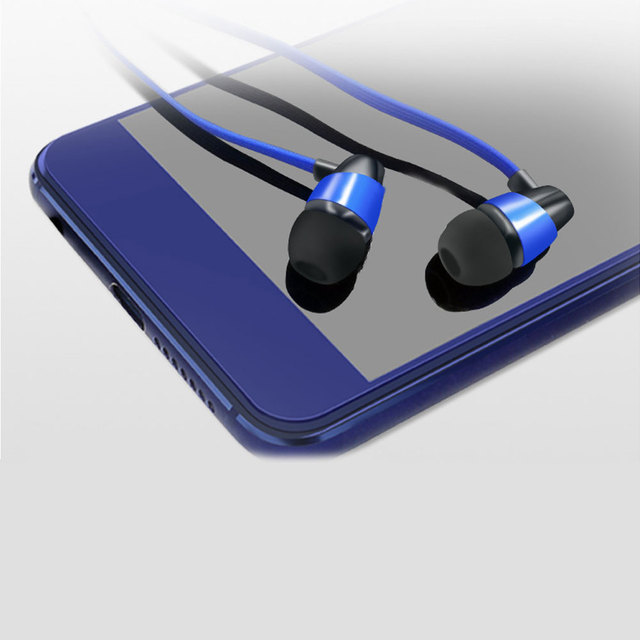 O cabo liso do macarronete de 1.2m 3.5mm na orelha prendeu o fone de ouvido com microfone para o ipad do iphone