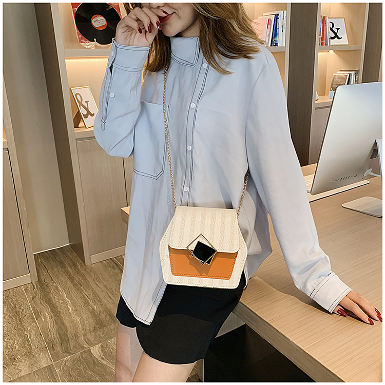 Mini Bag Girl 2019 New Korean Edition Fresh and Popular Fashion Chain PU Slant Bag Personal Bag Mobile Geometric Bag Clothes 95