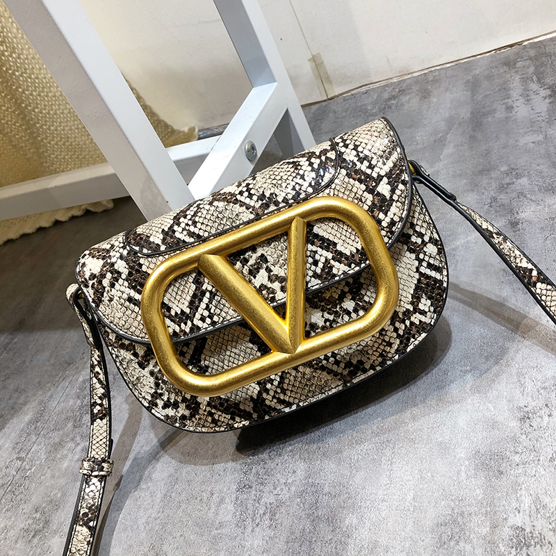 New Letter-V Serpentine Personality Design Bag Saddle Bag Wild Chic Shoulder Messenger Bag For Women Tide Mini Bag