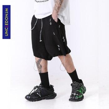 цена на UNCLEDONJM Drawstring Hip Hop Casual Shorts Men Loose Design Shorts 2020 Summer Fashion Male Shorts  ED-ADK01