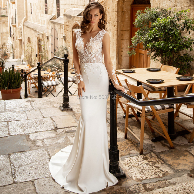 Lace Appliques Mermaid Wedding Dresses V Neck Sleeveless Long Sleeves Open Back Bridal Wedding Gown Vestido De Novias