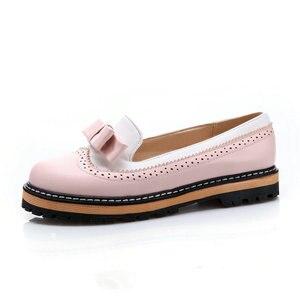Image 2 - ESVEVA 2020 Women Flat Spring/Autumn Round Toe Flat Women Shoes Sweet Patchwork Lace Shallow PU Soft Leather Shoes Size 34 43