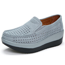 2018 אביב נשים שטוח פלטפורמת נעלי חצאיות גבירותיי זמש עור חלול נעליים יומיומיות להחליק על מוקסינים מטפסי