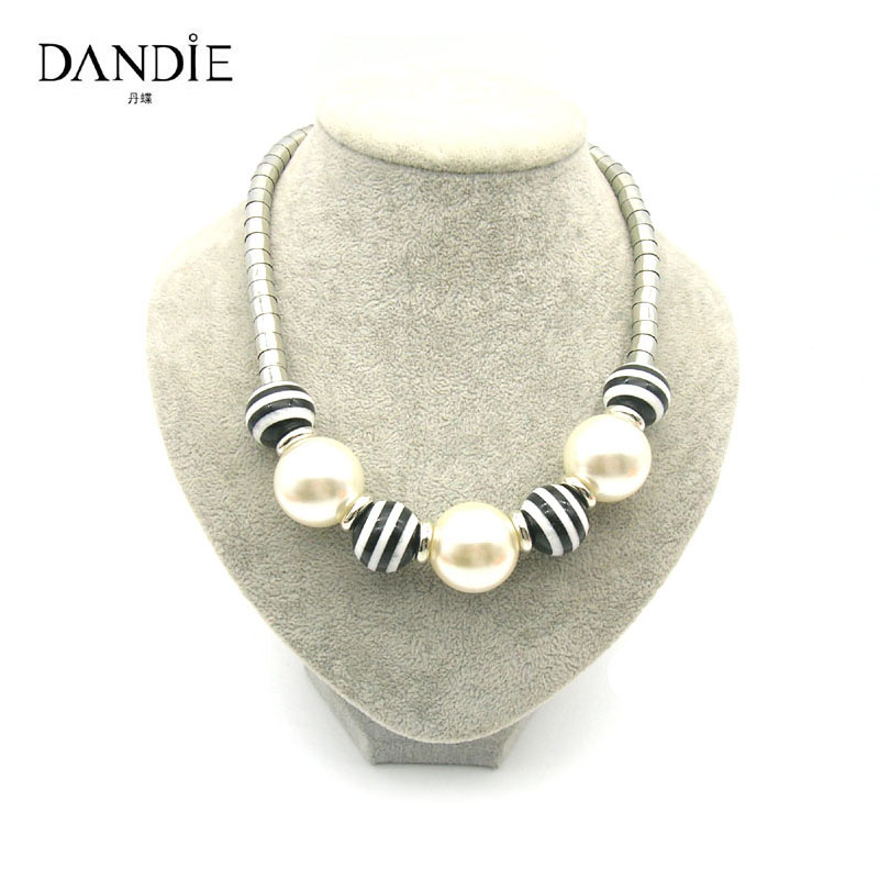 Dandie Fashion White Imitation Pearl Black And Acrylic Beads Necklace.