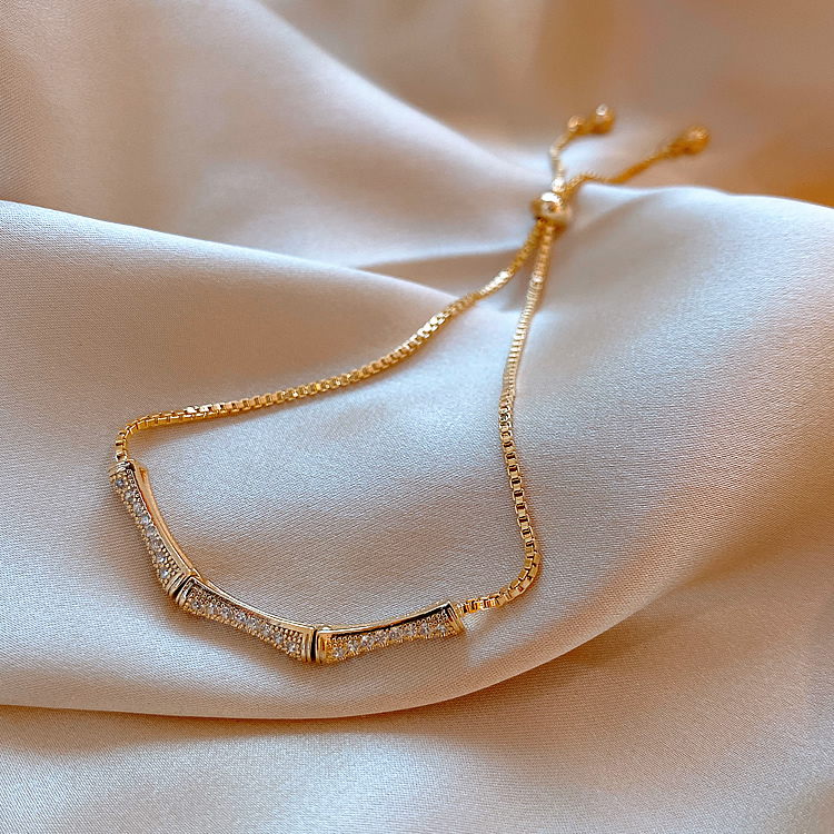 Korean hot selling fashion jewelry simple copper inlaid zircon butter flystretchable adjustable female bracelet