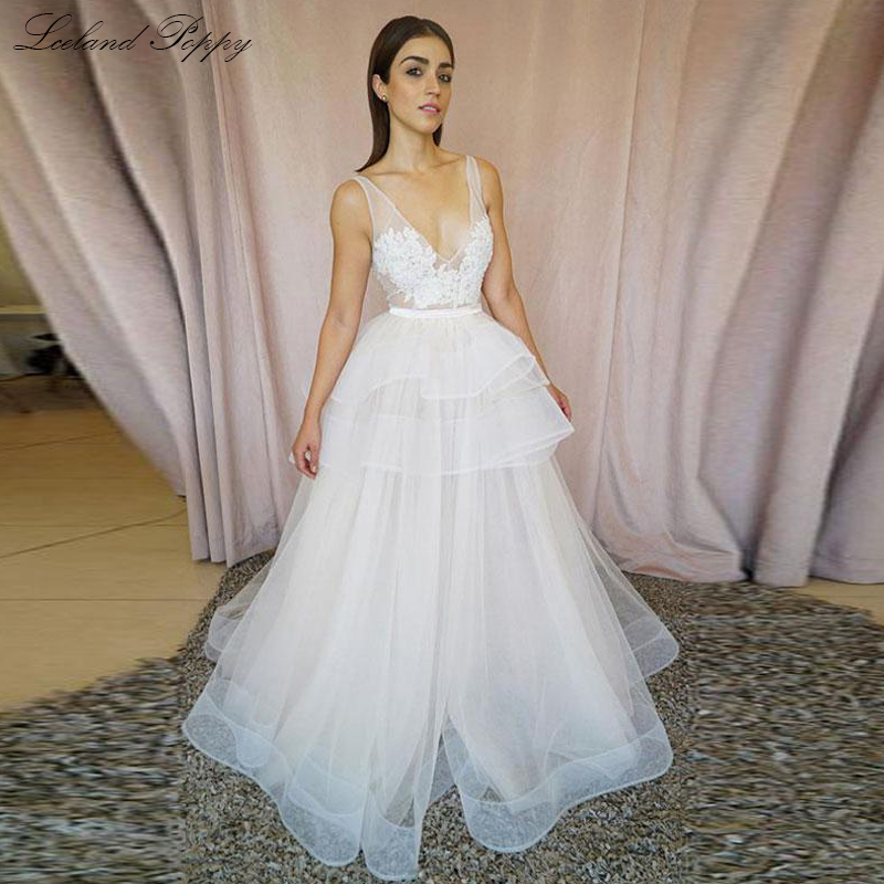 Sexy Women's A-line V-neck Wedding Dresses 2019 Vestido De Noiva Sleeveless Lace Appliques Floor Length Tiered Bridal Dress