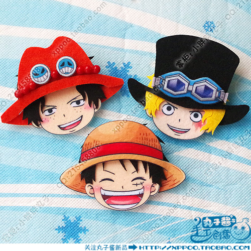 Anime ONE PIECE Luffy Ace Roronoa Zoro Sanji Trafalgar Law Chopper Cosplay Badge Nonwoven Fabric Button Brooch Pin Bedge Gifts